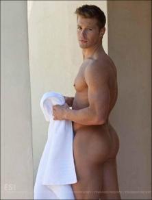 big butt after shower4