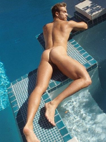 poolbutttumblr_oeig6fDnBL1tv0bi6o1_500